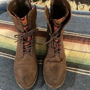 Roxy aztec moto boots